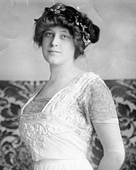 Madeleine Astor, 1910