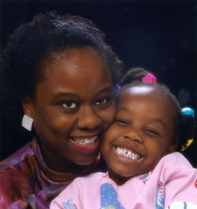 564px-Mother_and_daughter_smiling