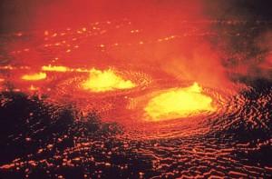640px-Eruption_1954_Kilauea_Volcano