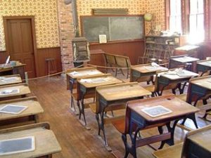 Marchido_school_desks