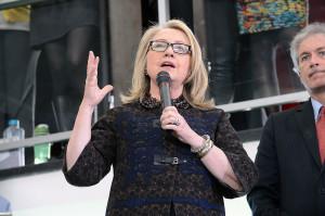 Secretary_Clinton_Says_Farewell_(8435836995)-1
