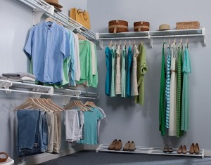 Walk_In_Closet_-_Expandable_Closet_Rod_and_Shelf