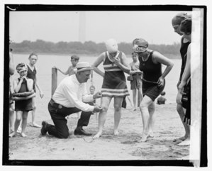 Measuring bathing costumes
